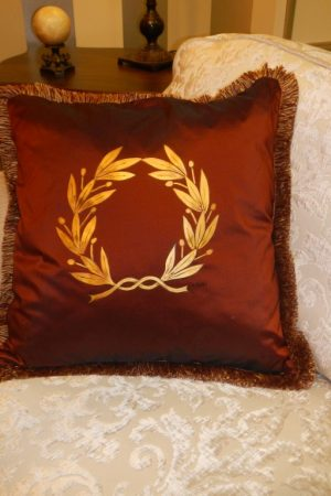 "Pillow with ""olive wreath"" – 1107 B"